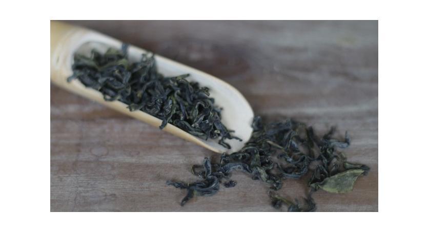 Mei Zhan Oolong Tea Review: A Wuyi Rock Tea
