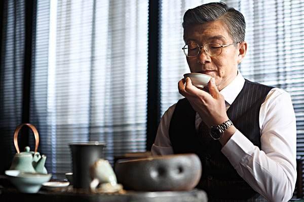 Tea Etiquette: Is Slurping Tea Bad Manners?