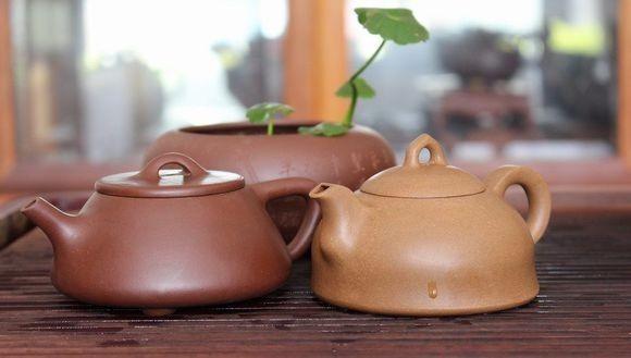 verse thee zetten met yixing theepotjes